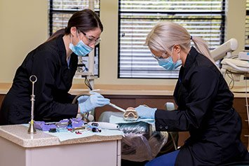 hands on dental assistant programs in washington