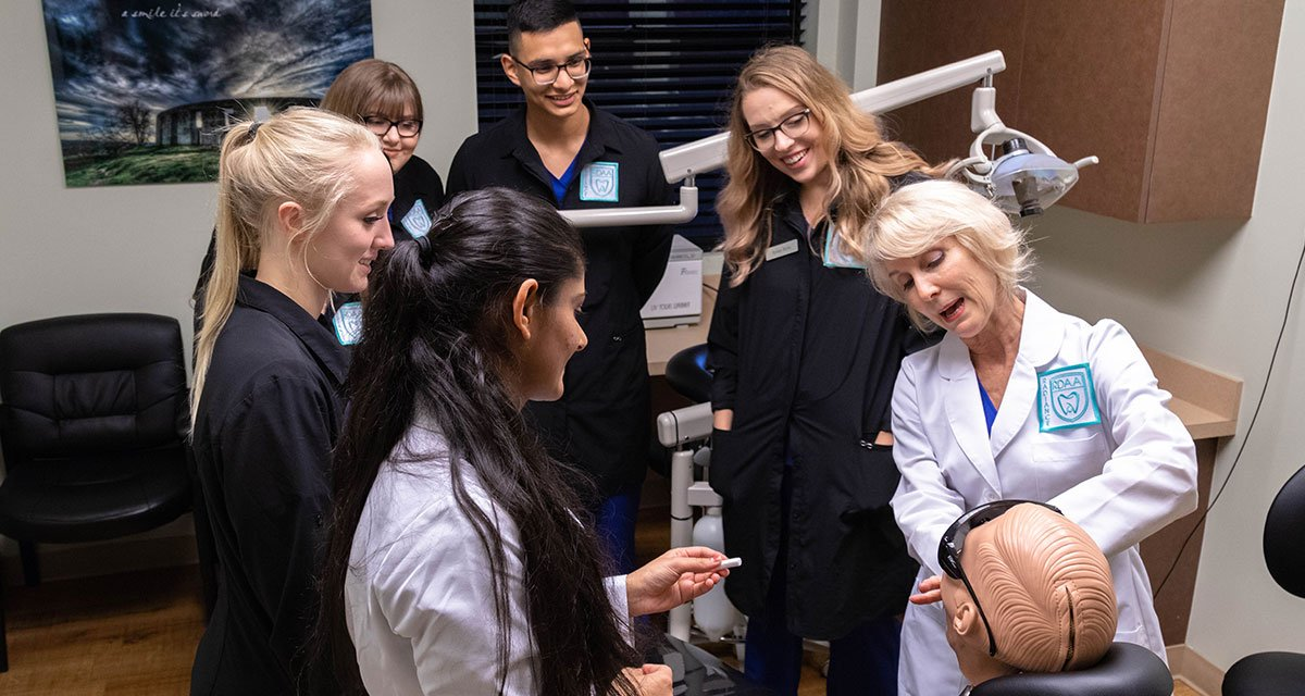 dental assistant school offers hands on experience in washington